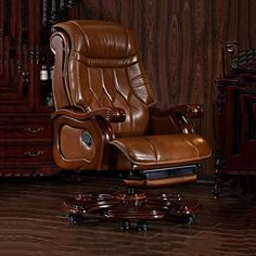 Geng Boss Chair Leather Business Executive Chair Reclining Computer Chair Home Lifting Solid Wood Study Office Turn Chair (Color : Brown) Sofa Furniture, Luxury Furniture, Leather Bed Frame, Living Room Decor Curtains, Industrial Design Furniture, Luxury Office, Home Office Chairs, Automotive Furniture, Executive Chair
