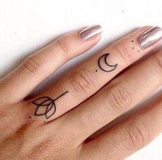 13 Meilleures Images Du Tableau Tatoo Mains Mini Tatouages Petit