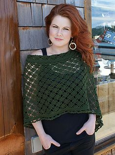 This is sooooo pretty.  Ravelry: Crocheted Easy Rapper pattern by Flora Yang