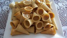 Caramel cones Yummy Treats, Delicious Desserts, Sweet Treats, Yummy Food, Freezer Cooking, Cooking Recipes, Kinds Of Desserts, Canadian Food, Micro Onde