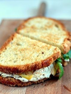 turkey and apple sandwich - Recetas - Apple Sandwich, Tacos, Cooking Recipes, Healthy Recipes, Cooking Time, Healthy Food, Chapati, Food 52, Different Recipes