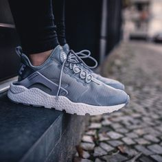 newest 67dac bdfb2 Nike Wmns Air Huarache Run Ultra (via Stickabush) Basket De Marque, Talons,
