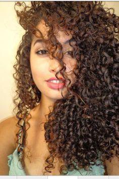 Naturally curly hair! Hair had me like... :o