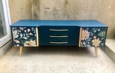 nfilade low custom made for Isabelle if you also want to order a row restored to your liking Diy Furniture Projects, Recycled Furniture, Furniture Styles, Furniture Makeover, Vintage Furniture, Painted Furniture, Home Furniture, Furniture Design, Dresser Remodel