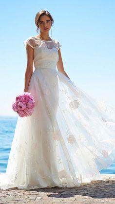 Stephanie Allin 2017 Wedding Dresses 9 - Deer Pearl Flowers / http://www.deerpearlflowers.com/wedding-dress-inspiration/stephanie-allin-2017-wedding-dresses-9/