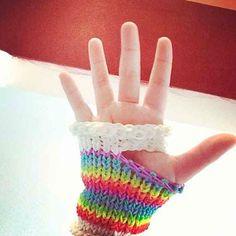 Loom band glove :: 32 Amazing but Weird Loom Band Creations