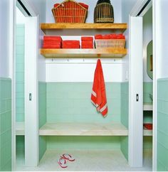 Pool house bath Contemporary Bathroom Design, Pictures, Remodel, Decor and Ideas - page 16 Pool House Bathroom, Bathroom Bench, Beach Bathrooms, Bathroom Kids, Kids Bath, Basement Bathroom, Colorful Bathroom, Orange Bathrooms, Bathroom Colors