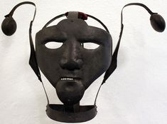 The scold's bridle was an instrument of punishment used primarily on women, as a form of torture and public humiliation. First recorded in Scotland in the the device was used on women accused of such offences as gossiping, nagging or witchcraft. Scolds Bridle, Brazen Bull, Pena Capital, Medieval, Maleficarum, The Victim, Middle Ages, Creepy, Scary
