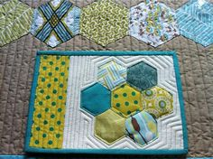 gorgeous mug rug received from Shirley- freidasews!! |Inspiration