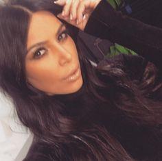 Kim fez piada com esposa de John Legend, grávida do primeiro filho do casal