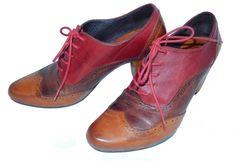 Je viens de mettre en vente cet article  : Chaussures à lacets   29,00 € http://www.videdressing.com/chaussures-a-lacets-/3-piments/p-4170801.html?utm_source=pinterest&utm_medium=pinterest_share&utm_campaign=FR_Femme_Chaussures_4170801_pinterest_share