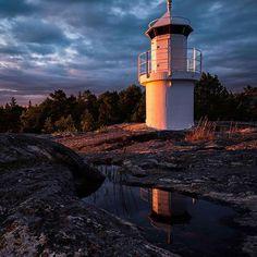 #hölick #hudiksvall #bottenhavet #gulfofbothnia #solnedgång #sunset #klippor #cliffs #moln #clouds #fyr #lighthouse #nikon #d810 #pce24mm #toröfotografen