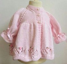Baby Knitting Patterns, Crochet Baby Dress Pattern, Baby Dress Patterns, Hand Knitting, Knitting Ideas, Baby Cardigan, Cardigan Pattern, Pull Bebe, Knitted Baby Clothes