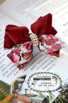 Want great hints about making bows? Head out to our great site! Ribbon Hair Bows, Diy Hair Bows, Diy Bow, Diy Ribbon, Ribbon Work, Ribbon Crafts, Hair Decorations, Making Hair Bows, Diy Hair Accessories