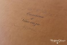www.weddingloves.it #YOUNGBOOK #youngbox #similpelle #dettagli #weddingbook