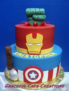 Marvel Avengers Super Hero Birthday Cake   por Graceful Cake Creations