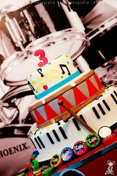 Bolo de aniversário da festa da música