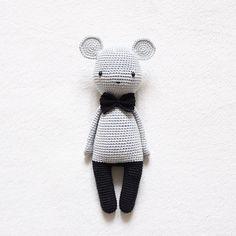 Meine neue Maus wünscht euch ein wundervolles Wochenende my new mouse wishes you a great weekend yeni farecik size mutlu ve huzurlu bir hafta sonu diler - Pattern I didn't use a pattern but was inspired by Tournicote • yarn Schachenmayr Catania • hook size 2,5mm -