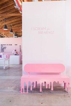 Ice Cream Museum Opens in Los Angeles Cafe Design, Store Design, Paleterias Ideas, Cafe Interior, Interior And Exterior, Modern Interior, Ice Cream Museum, Deco Restaurant, Ice Cream Parlor