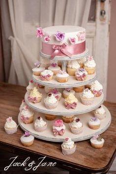 4 szintes antikolt fehér fa desszertállvány - CUPPCAKE   Jack&Jane tortaállványok Fa, Desserts, Tailgate Desserts, Deserts, Postres, Dessert, Plated Desserts
