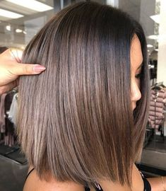 Stylish Ombre Balayage Hairstyles for Shoulder Length Hair Medium Haircut Brown Hair Cuts, Short Brown Hair, Dark Brown Lob, Brown Ombre Hair Medium, Short Brown Bob, Brown Shoulder Length Hair, Shoulder Length Hair Balayage, Long Bob Cuts, Medium Blonde