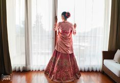 Elegant Delhi Wedding With A Refreshing Mehendi Look Indian Wedding Planning, Wedding Planning Websites, Bridal Poses, Bridal Portraits, Indian Wedding Photography, Wedding Story, Bridal Outfits, Wedding Looks, Beautiful Bride