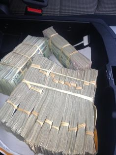 I am grateful for everything I have and I'm a rich and powerful money magnet Money On My Mind, Show Me The Money, Cheque, Make Money Online, How To Make Money, Money Stacks, Mo Money, Cash Money, Billionaire Lifestyle