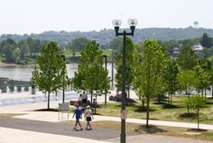 view from Moerlein Lager House, overlooking Smale Riverfront Park