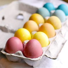 Naturally dyed #Easter eggs