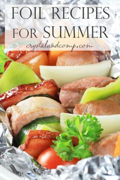Enjoyable camp cooking recipes are an especially great activity for family camp outs. On a family camping trip, fun camp cooking recipes can be attempted at the end of a day while you are taking pleasure in the campfire. Tin Foil Meals, Foil Packet Dinners, Foil Pack Meals, Foil Dinners, Foil Packets, Grilling Recipes, Cooking Recipes, Healthy Recipes, Delicious Recipes