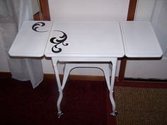 cute way to paint my typewriter table