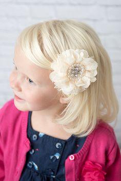 girl's flower hair clip - La Bella Rose Boutique. Hair accessories, flower girl, wedding hair piece, kids fashion, newborn photoshoot, kids pictures.