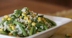 Een salade met zilvervliesrijst, sperziebonen en mais. Simpeler kan bijna niet. Lekker, licht en ook nog eens voedzaam. Risotto, Grains, Rice, Vegetables, Food, Salads, Bulgur, Veggie Food, Vegetable Recipes