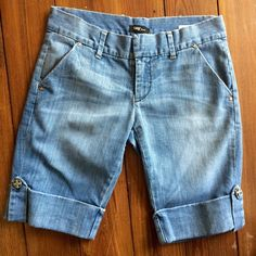 Super fun Bermuda denim shorts The softest denim, with the perfect amount of stretch.  I can't say enough good things about these shorts!  The bottom hem is fitted around leg, not loose like traditional Bermuda shorts.  few sizes available Tag Shorts Bermudas