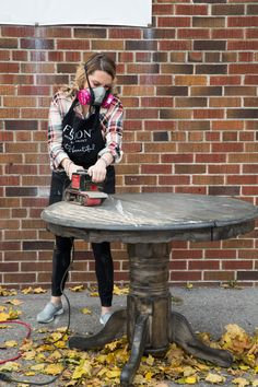 How to achieve the Driftwood look the easy way • Fusion™ Mineral Paint Restoring Old Furniture, Furniture Fix, Diy Furniture Easy, Chalk Paint Furniture, Furniture Makeover, Redoing Furniture, Repurposed Furniture, Furniture Projects, Diy Projects
