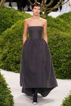 Christian-dior-couture-spring-2013-04_123823971563