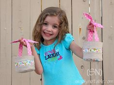 Fabric Easter Basket pattern and tutorial. (also in 'bout the fabric. Sewing For Kids, Baby Sewing, Free Sewing, Easter Projects, Easter Crafts, Easter Ideas, Sewing Tutorials, Sewing Crafts, Sewing Projects