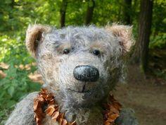 Der Bär mit Bucheckern bei Grafenmühle .