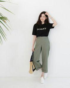 Korean Fashion Trends you can Steal – Designer Fashion Tips Korean Fashion Trends, Korean Street Fashion, Korea Fashion, Asian Fashion, Look Fashion, Trendy Fashion, Girl Fashion, Fashion Outfits, Fashion Design