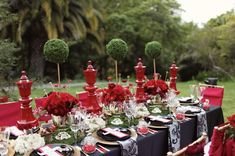 Alice in Wonderland themed table