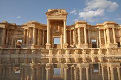 Teatro di Palmira -117 a.C. -teatro romano aperto di epoca traianea in buono stato di conservazione -si trova nel sito archeologico di Palmira, in Siria