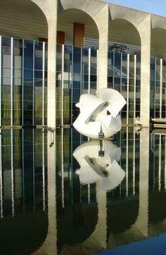 Palácio do Itamaraty / Itamaraty Palace, Headquarters of the Ministry of External Relations of Brazil, Brasilia by Oscar Niemeyer :: 1970