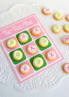 *Jennuine by Rook No. 17*: Sweet Idea: Edible Valentines Day Tic-Tac-Toe (& Valentine Bingo from Martha Stewart too)