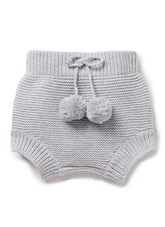 100% Cotton bloomer. Fully-fashioned chunky knit bloomer with elasticated waist. Chunky rib trims on waist and cuffs. Features fixed drawstring with pompom trim. Neat fit. Available in Cloud.