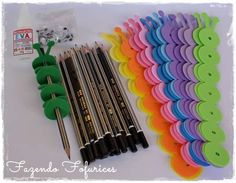 Valentine Crafts For Kids, Valentines Diy, Craft Stalls, Pencil Toppers, School Stationery, School Decorations, Student Gifts, Handmade Crafts, Gifts For Kids