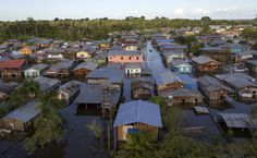 View of the area flooded by the rising Rio Solimoes, one of the two main branches of the Amazon River, in Anama, Amazonas state, Brazil June 3, 2015. REUTERS/Bruno Kelly