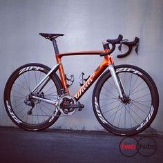 Wilier Triestina Ramato! #twohubs #bikeporn #wiliertriestina #wilier #cento10airdisc #wiliercento10air #shimano #ramato #di2 #hydrodisc #zipp303disc #alabarda #chrome #copper