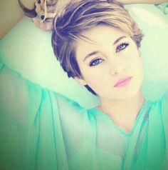 Shailene - she looks so beautiful