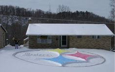 PITTSBURGH STEELERS~Steelers house snow front lawn