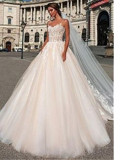 [181.50] Attractive Tulle Spaghetti Straps Neckline Ball Gown Wedding Dress With Beaded Lace Appliques - dressilyme.com